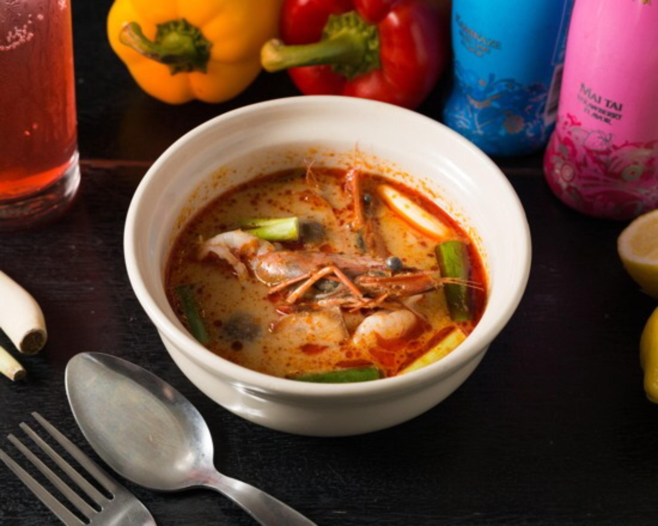 トムヤムクン/海老入り甘酸っぱ辛いタイスープ